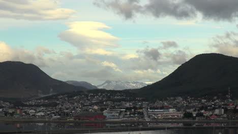 Ushuaia-Argentina-town-&-mountains-s