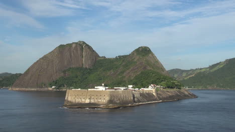 Rio-a-fort-across-the-bay