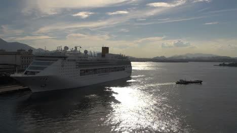 Rio-docks-backlit