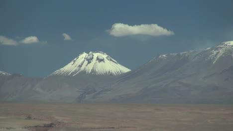 Atacama-Andes-volcano