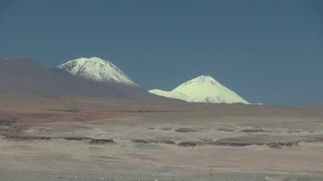 Andes-volcanoes-in-the-Atacama