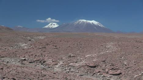 Andes-volcanoes-above-the-Atacama-Desert