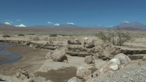Chile-Atacama-stream-bed-and-boulders-3a