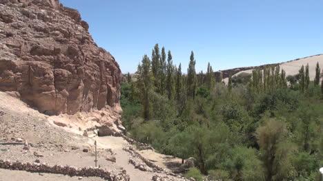 Chile-Atacama-Valle-de-Jere-walls-at-rock-base