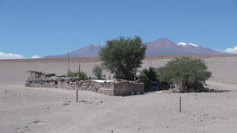 Chile-Atacama-Toconao-Casa-De-Paredes-Bajas