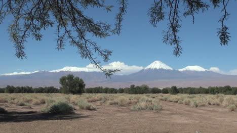 Atacama-Andes-range-volcanoes