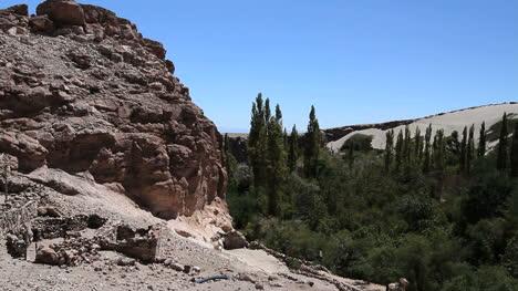 Chile-Atacama-Valle-de-Jere-ruddy-rock