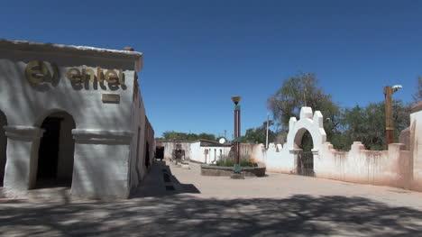 San-Pedro-de-Atacama-walk-to-plaza-s3
