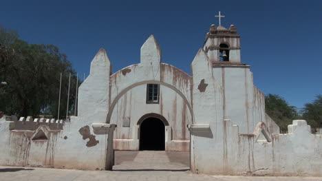 San-Pedro-de-Atacama-church-&-backpaker-s8