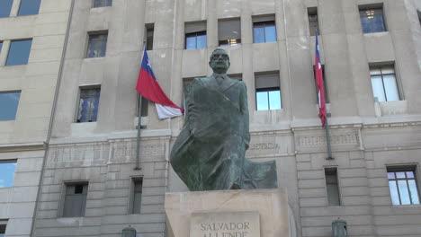 Santiago-Allende-Estatua-S