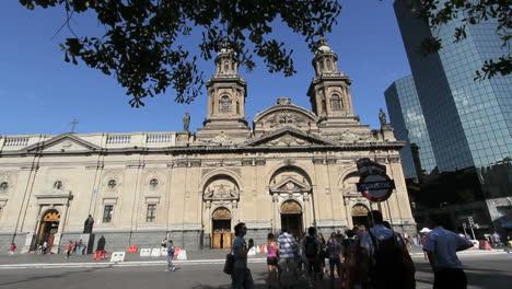 Catedral-De-Santiago-Y-Turistas