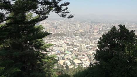 Vista-De-La-Ciudad-De-Santiago-Entre-Arboles