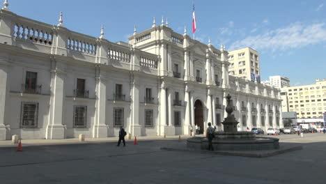 Santiago-La-Moneda-facade