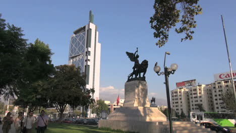 Santiago-statue-and-tall-building