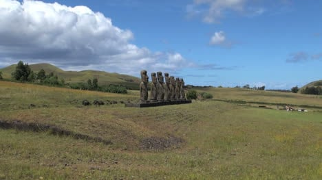 Easter-Island-Ahu-Akivi-on-grassy-base-zoom-out-6a