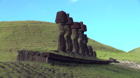 Easter-Island-Anakena-Ahu-Nau-Nau-hats-follow-tinted-slope-5a