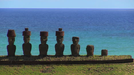 Easter-Island-Anakena-Ahu-Nau-Nau-against-sea-2a