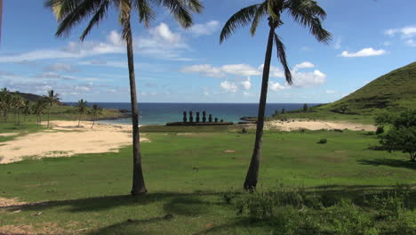 Easter-Island-Anakena-Ahu-Nau-Nau-through-twin-palms-2