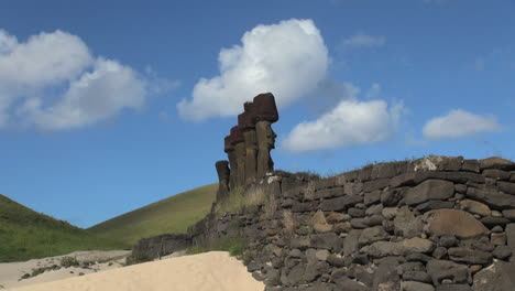 Easter-Island-Anakena-Nau-Nau-moai-close-group-profile-8