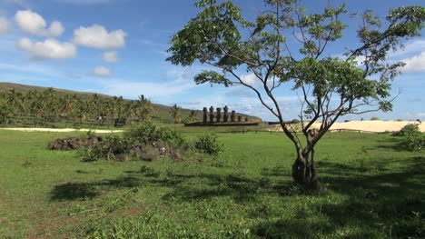 Easter-Island-Anakena-Ahu-Nau-Nau-shadows-zoom-out-6