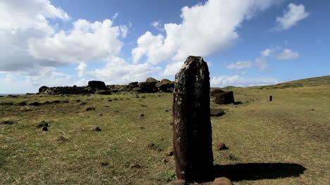 Easter-Island-female-figure-s1