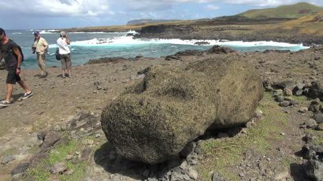 Easter-Island-Akahanga-moai-fallen-on-its-back