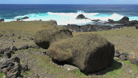 Easter-Island-Akahanga-fallen-moai-by-sea