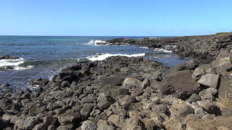 Easter-Island-Te-Pito-Kura-rock-jetty-1