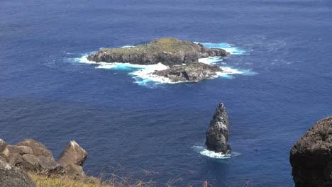 Isla-De-Pascua-Islas-Orongo-Bird-Y-Motu-Kao-Kao-3c
