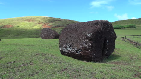 Easter-Island-Puna-Pau-raw-mined-ash-block-10