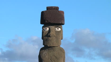 Easter-Island-Ahu-Ko-Te-Riku-moai-head-w-passing-clouds-4