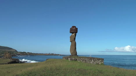 Easter-Island-Ahu-Ko-Te-Riku-moai-close-up-profile-zoom-out-5