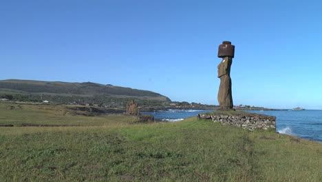 Easter-Island-Tahai-Complex-Ahu-Ko-Te-Riku-moai-profile-on-cove-6b