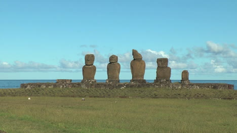 Easter-Island-Ahu-Vai-Ure-grassy-bluff-zoom-in-10