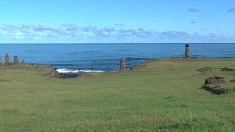 Easter-Island-Ahu-Tahai-against-sea-zoom-out-11