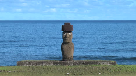 Easter-Island-Ahu-Tahai-and-Ko-Te-Riku-zoom-in-15