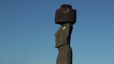 Easter-Island-Ahu-Ko-Te-Riku-moai-head-and-hat-10d