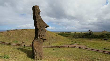 Moai-at-the-Quarry-looking-out