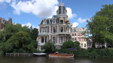 Amsterdam-large-house-on-a-canal