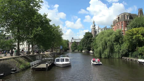 Netherlands-Amsterdam-tour-boat-and-small-craft