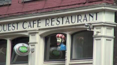 Holanda-Amsterdam-Extraña-Escultura-Firmar-En-Cafe