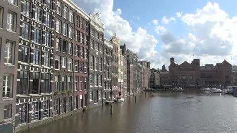 Amsterdam-Vista-Espectacular-De-Casas-Adosadas-Por-Agua