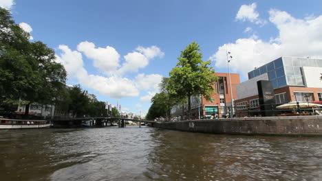 Canal-De-Amsterdam-Desde-Un-Barco