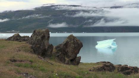Greenland-Eric-s-Fjord-iceberg-view