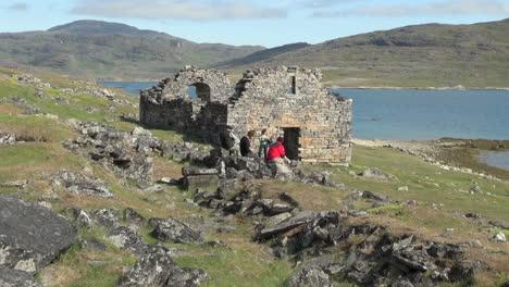 Greenland-Hvalsey-Nordic-church-ruin-&-people