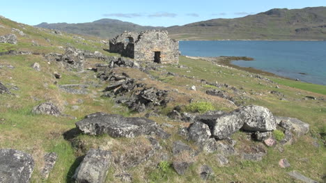 Greenland-Hvalsey-Nordic-church-ruin-distant