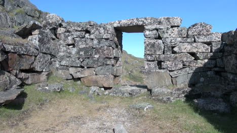 Greenland-Hvalsey-Nordic-ruin-inside