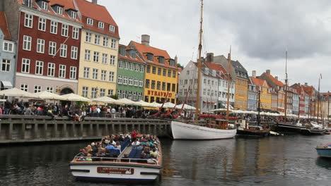 Copenhagen-excursion-boat-in-harbor-2c-