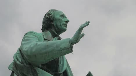 Copenhagen-HC-Anderson-statue-s