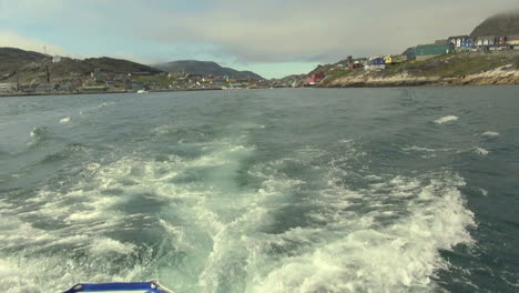 Greenland-Qaqortoq-speed-boat-wake